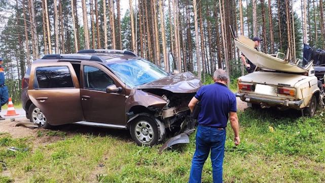 Два автомобиля столкнулись на трассе в Вытегорском районе