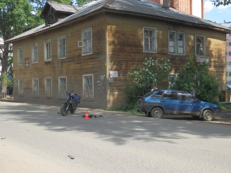 Названия улиц на красном камне киселевск фото плюмерии
