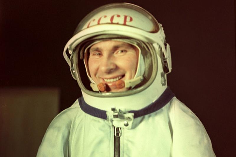 это помогло, павел беляев космонавт фото вас есть картинка