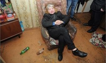 видео спит ободранная пьяная