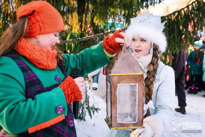 Дед мороз изнасиловал снегурочку
